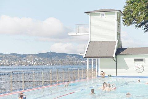 Basseng og stupetårn på Nordnes Sjøbad